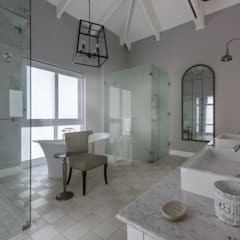 Private Residence, Steyn City, Fourways, Gauteng, South Africa:  Bathroom by Gelding Construction Company  (PTY) Ltd