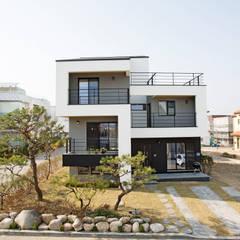 Houses by 창조하우징