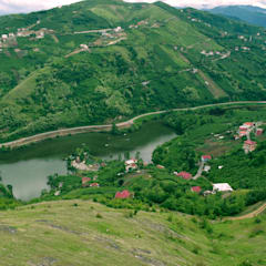 MY Ahşap ve Dekorasyon – Sera Lake Resort: rustik tarz tarz Evler