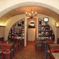 Brancaleone Ristobar: Negozi & Locali commerciali in stile  di Simone Casini Architetto