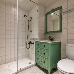 Phòng tắm by 森博設計