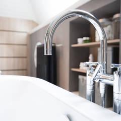 Badkamer ontwerp & Realisatie:  Badkamer door Mignon van de Bunt Interieurontwerp, Styling & Realisatie