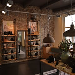 Beumer Schoenmode:  Winkelruimten door Studio Bekkers, Industrieel IJzer / Staal