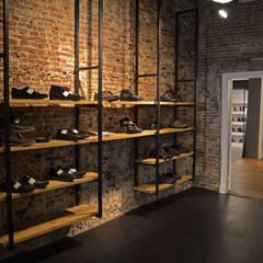 Schappen:  Winkelruimten door Studio Bekkers