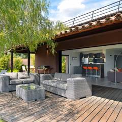 Réinvention / La Cadière d'Azur : Terrasse de style  par Atelier Jean GOUZY