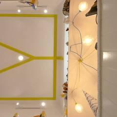 Mile1brinquedos: Quartos de criança  por sandra almeida arquitectura e interiores