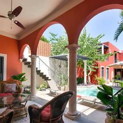 Puesta de sol: Albercas de estilo  por Merida Arquitectos