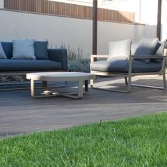 Moradia de Luxo - Decoração de Interior por MOYO Concept Moderno Derivados de madeira Transparente