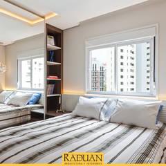 Apartamento 62 m² - Chácara Klabin: Quartos  por Raduan Arquitetura e Interiores,Moderno