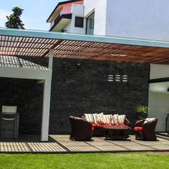 Hiên, sân thượng phong cách hiện đại bởi Spazio3Design Hiện đại