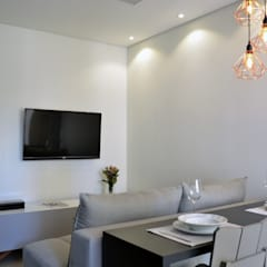 : Vila Nova Conceição 01: Salas de jantar  por Mmaverick Arquitetura
