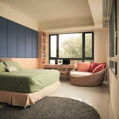 Dormitorios de estilo  por 舍子美學設計有限公司