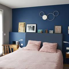 Chambre parentale: Chambre de style de style Moderne par A comme Archi