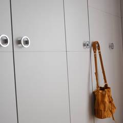 Dressing: Dressing de style de style Moderne par A comme Archi