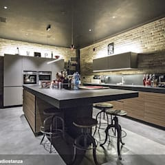 Kitchen by estudoquarto s.r.l.