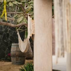 CASA AGUA LUNA: Jardines de estilo  por HA Arquitectos