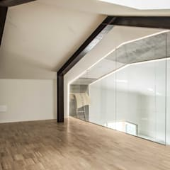 rock house di estudoquarto studio di architettura a verona: Pareti in stile  di estudoquarto s.r.l.