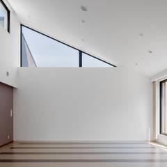 Gimnasios  de estilo  por 株式会社小木野貴光アトリエ 級建築士事務所