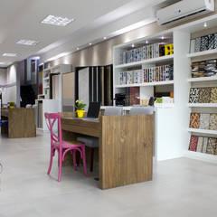 مكاتب ومحلات تنفيذ Antonio Armando Arquitetura & Design
