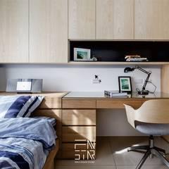 Dormitorios de estilo escandinavo por 釩星空間設計
