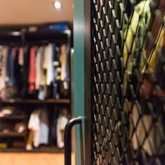 드레스 룸: 로하디자인의  방