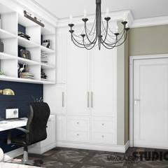 GABINET Stylowy: styl , w kategorii Domowe biuro i gabinet zaprojektowany przez MIKOŁAJSKAstudio