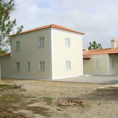 Moradia: Casas  por Sérgio Barata - Arquitetura & Design