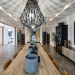 Modern Farmhouse - Silverlakes Nature Reserve: modern Dining room by Karel Keuler Architects
