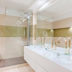 Instalação Sanitária Privada: Casas de banho  por menta, creative architecture