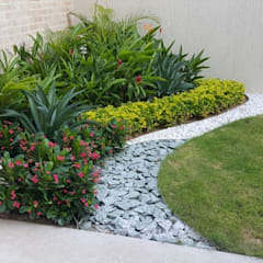 CONJUNTO ANCARES CAMPESTRE - BARRANQUILLA - COLOMBIA: Jardines de estilo  por BRASSICA SOLUCIONES PAISAJISTICAS S.A.S.