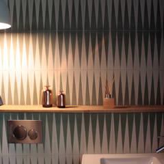 Loft / Paris X: Murs de style  par Pal&Danneels