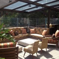 terraza bar: Terrazas de estilo  por Ecologik