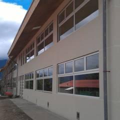 Scholen door Dušan Marinković - Arquitectura