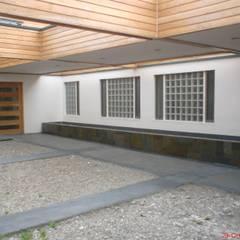CLINICA DENTAL POLUX: Clínicas / Consultorios Médicos de estilo  por Dušan Marinković - Arquitectura