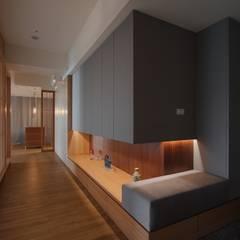 Corridor & hallway by 直方設計有限公司, Asian MDF