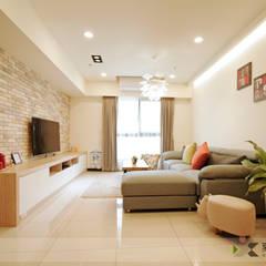 غرفة المعيشة تنفيذ 寬森空間設計