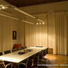 """Agropecuária Zurita """"AgroZ"""": Edifícios comerciais  por Felipe Penedo Arquitetura"""