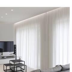 Media room by Melissa Giacchi Architetto d'Interni