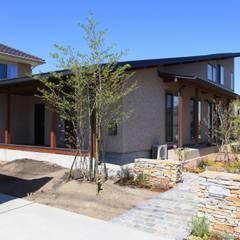 長屋根の家: 田村建築設計工房が手掛けた家です。,