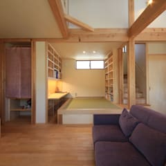 Salas de estilo asiático por 田村建築設計工房