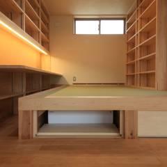 Salas multimedia de estilo  por 田村建築設計工房