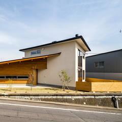 富士見ヶ丘・クリステルハウス/蕎麦てとて: 中山大輔建築設計事務所/Nakayama Architectsが手掛けた壁です。,