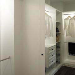 Closets de estilo  por 構築設計