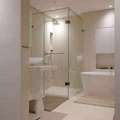 scandinavian Bathroom by 構築設計