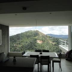 Casa en El Hatillo: Comedores de estilo  por MARATEA Estudio,