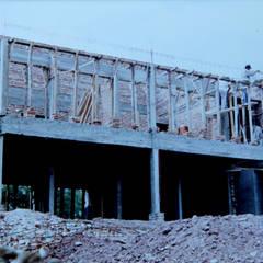 Casa CC: Terrazas de estilo  por Development Architectural group