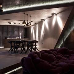 open space: Sala multimediale in stile  di Piertito Cardillo    Interior   Design   Architecture