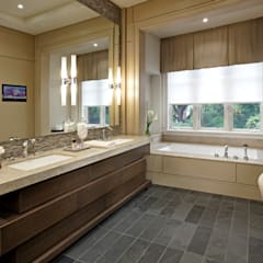 Modern Retreat:  Bathroom by Douglas Design Studio,