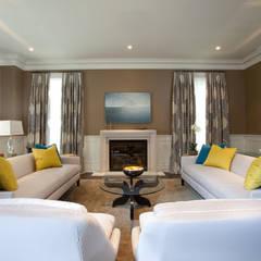 Bright Contemporary Home:  Living room by Douglas Design Studio
