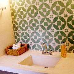 Baño Recámara Principal: Baños de estilo  por Quinto Distrito Arquitectura